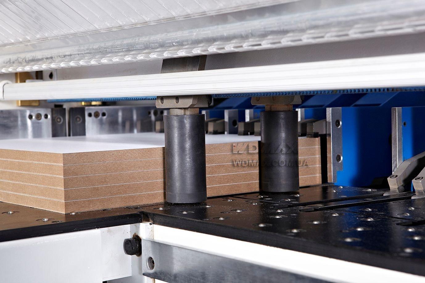 Точное выравнивание заготовки в пильном центре с ЧПУ WDX-838